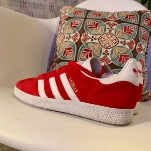 NWOB Red Leather Adidas Gazelle Shoes Sz 7